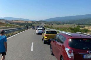 """Пакао на грчкој граници, колона возила 13 километара: """"Ово је катастрофа"""" (фото)"""