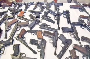 Народ продаје оружје у бесцење због високих државних намета