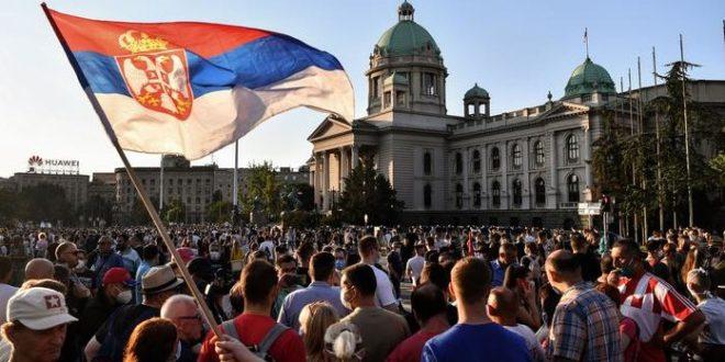 ДОКЛЕ ЋЕМО ДА ЋУТИМО И ТРПИМО ИЖИВЉАВАЊЕ? Срби доведени у патолошко стање колективног страха