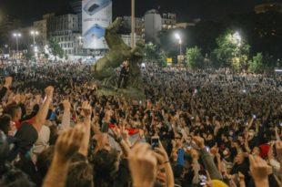 Александар Вучић затире остатке државе и народа, а опозиција не реагује, чекају да се поробљени сами ослободе