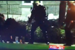 Жандармерију после овог иживљавања ноћас над голоруком децом УКИНУТИ и РАСПУСТИТИ (видео)
