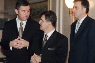 Маровићу, ђубре једно СМРДЉИВО, јебо те Мило и идиот који ти је понудио уточиште у Србији!