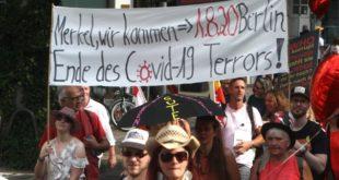 Анти-корона протести у Берлину: У сукобима на улицама повређено 18 полицајаца (ВИДЕО)