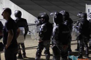 Бихаћ: Масовни сукоб полиције и миграната, више повређених (видео)