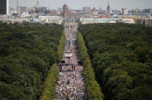 Немачки медији: Демонстрације против короне забрањене, контрадемонстрације дозвољене