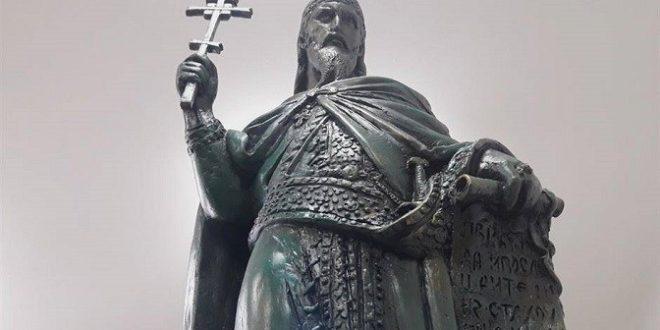 Владимир Димитријевић: Штета што није виши или Споменик Стефану Немањи као знамење времена