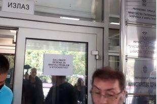 Излепили Владу Србијe: Једемо увозно лоше месо уместо говедину нашег сељака (видео)