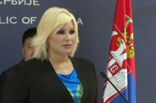 Напредна фукара задужује Србију за милијарде евра како би шиптарским терористима направила аутопут и железницу