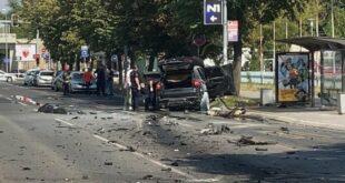 На сред улице експлодирао џип на Новом Београду, возач преминуо у болници (видео)
