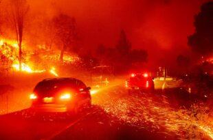 Бесне пожари на западу САД, живот изгубило најмање 28 људи (видео)