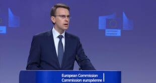 Хоће ли неко да објасни овом ЕУ фићфирићу да ЕУ занима Србију као чир на дупету?