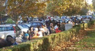 Где нас је довела Вучићева власт: Редови за бесплатну храну у Београду (видео, фото)