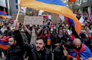 """""""Турци настављају геноцид над Јерменима"""""""