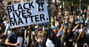 Сигал: Black Lives Matter личи на терористичку групу која би да свргне владу САД и уништи земљу