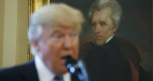 Трамп се на америчку политичку сцену враћа 28. фебруара