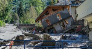 Катастрофалне поплаве у Италији и Француској, има мртвих и несталих (видео)