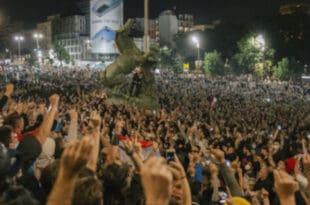 Андреј Ивањи: Вучићев страх од уличних немира