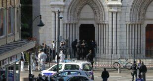Троје мртвих у терористичком нападу на цркву у Ници, једна жртва обезглављена (видео)