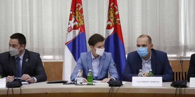 Кризни штаб усвојио нове ригорозније мере, уједно де факто Србима забранивши да славе славу и иду у цркву
