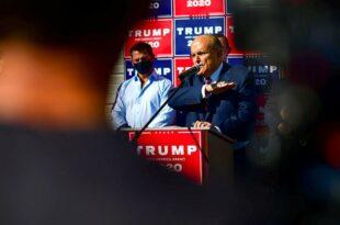 Ђулијани: Трамп је покраден на изборима у најмање 3-4 државе, можда и у 10!