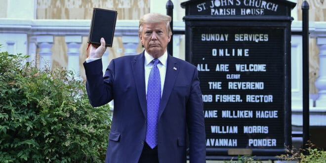 """На Трампа који је """"Mister Old Design"""" – ударило је зло сатанократије"""