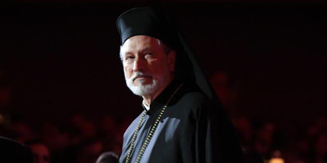 ПРОТЕСТ СРБА у Њујорку због разрешења свештеника и нестанка преко 8 милиона долара из буџета црквене општине