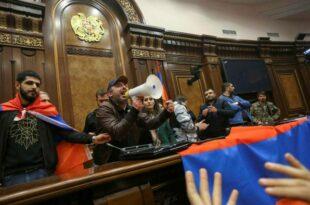 """""""Више не постоји Јерменија чији премијер је Пашињан"""": Опозиција најавила велики антивладин митинг"""