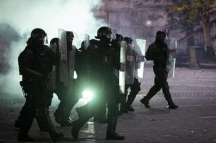 Жестоки анти-корона протести на улицама Љубљане: Полиција воденим топовима, демонстранти каменицама (видео)