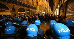 ЖЕСТОКИ СУКОБИ У ИТАЛИЈИ: Побуна због владиних мера ограничења због короне (видео)