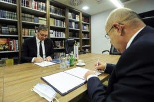 """Шта пише у споразуму СНС и СВМ или – рађа ли се """"Заједница мађарских општина""""?!"""