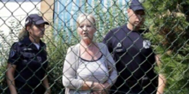 УБИЛА СЕ БАКА ЦОКА: Старица (72) која је изрешетала инвеститора, пронађена са ножем у грудима