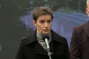 ЗА КОГА!? Брнабић најавила да Србија купује 17,5 милиона вакцина!