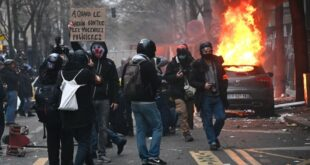 Деведесет протеста против Макрона и његове полиције – у Паризу погроми и сузавац (видео)