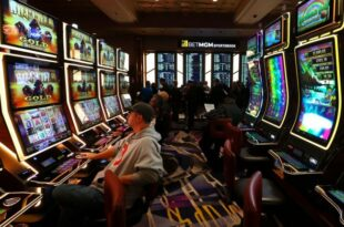 Вучићев режим укинуо плаћање пореза на коцкарнице, кладионице, казина