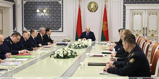 Лукашенко Путину: Код нас су покушали блиц-криг, Русију ће дуго `љуљати` - буди спреман