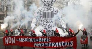 Масивни протести у Паризу уочи усвајања Закона о биоетици (видео)