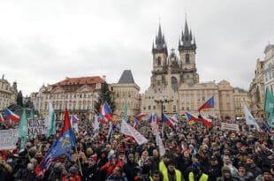 ХИЉАДЕ ЧЕХА протестује у Прагу против корона тираније и вакцинације (видео)