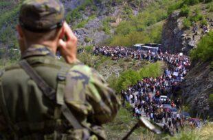 Нас, Србе са Косова и Метохије немате право да избацујете из наше отаџбине