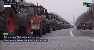 Немачка: Пољопривредници протестовали због новог закона о заштити инсеката возећи тракторе кроз центар Берлина (видео)