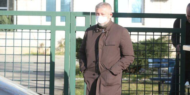СЛАВИША KОKЕЗА ПУШТЕН ИЗ СБПОK: На саслушању био више од 4 сата, одбио да одговара на питања истраге!