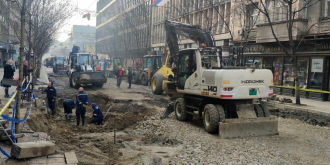 Београд: У улици Kраља Милана и даље је хаос док је у центру незапамћена саобраћајна гужва