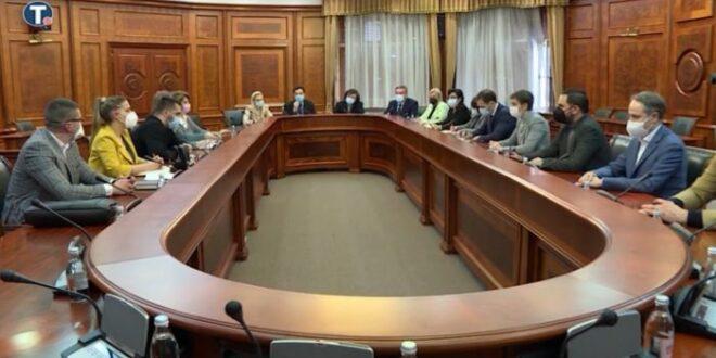 Фриленсери најавили протесте, пропали преговори са Владом