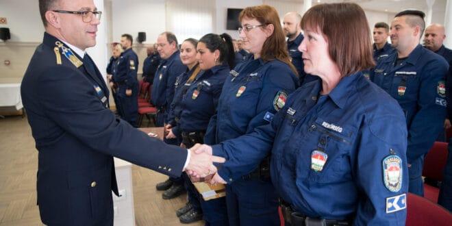 Мађарска послала 50 полицајаца у Македонију и Србију као помоћ у сузбијању илегалних миграција