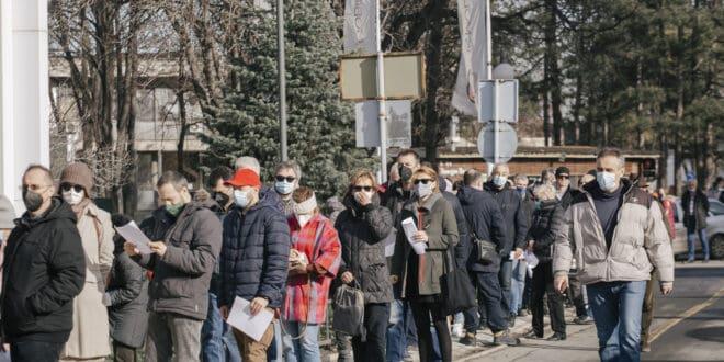 Вакцинисали преко милиона Срба коктелом вакцина а зараза све гора и већа?! Чекај бре мало...