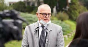Крушевачки пандур упорно спроводи планове вакциналне ДИСКРИМИНАЦИЈЕ грађана Републике Србије