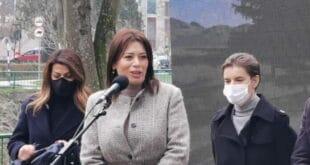 Министарка екологије Ирена Вујовић не уме да чита (видео)