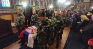 АЛБЕРТ АНДИЈЕВ ИСПРАЋЕН НА ВЕЧНУ СТРАЖУ: Руски добровољац сахрањен у Београду уз војне почасти (видео)