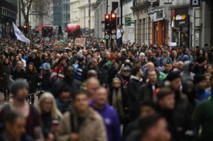 Народ јуче масовно широм Европе показао да не жели да буде ничије заморче (видео)