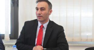 Скрените Македонцима пажњу да престану са грубим мешањем у унутрашње послове Републике Србије!