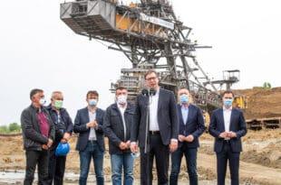 Новаковић: Вучевићевом пријатељу Босанцу уговор од 100 милиона евра за очитавање бројила